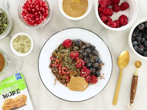 berry quinoa breakfast bowls recipe