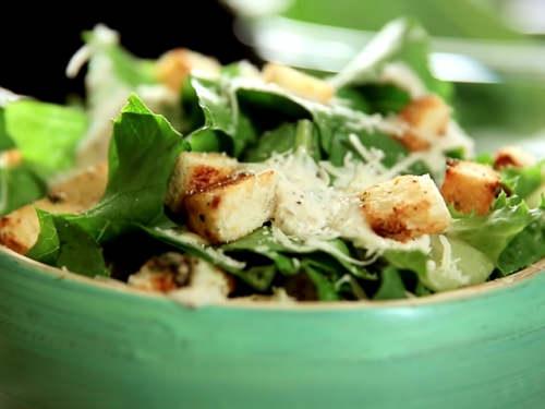 calf's liver with spinach salad and croutons recipe