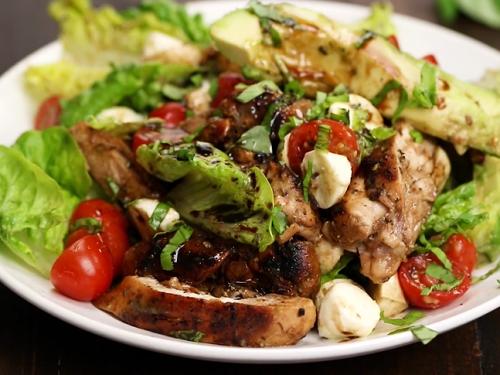 chicken avocado caprese salad recipe