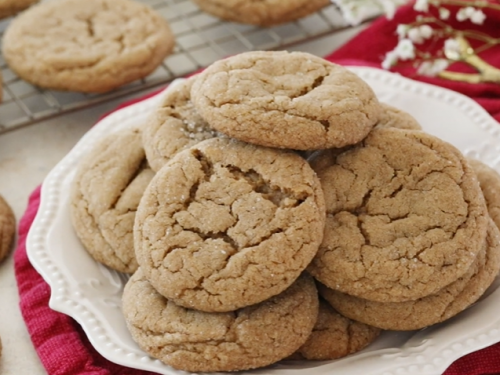 soft-baked gingersnap molasses cookies recipe